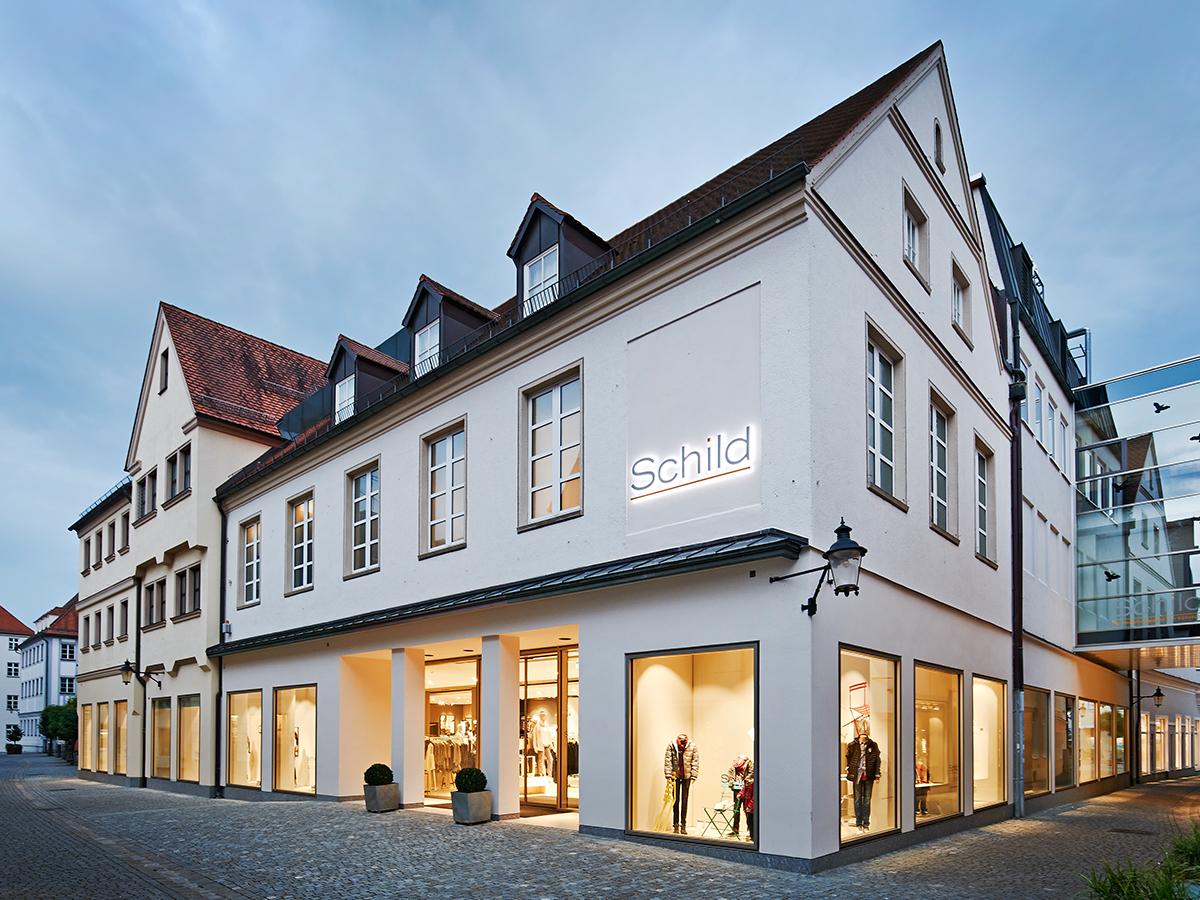 Das Modehaus Schild in Günzburg