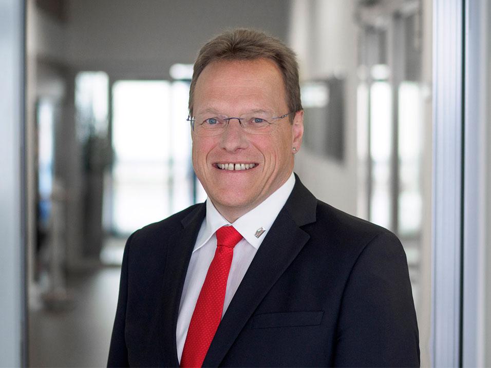 Wolfgang Rau vom Bauunternehmen bendl aus Günzburg