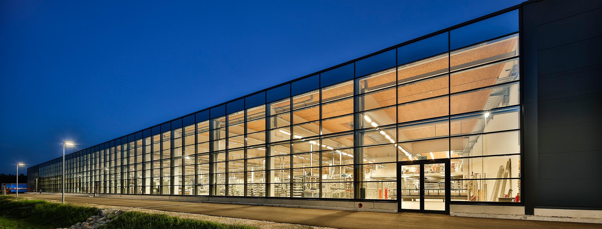 Produktionsalle der Firma Gugelfuss in Elchingen