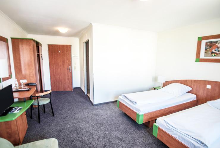 Dreibettzimmer im Eurohotel in Derching