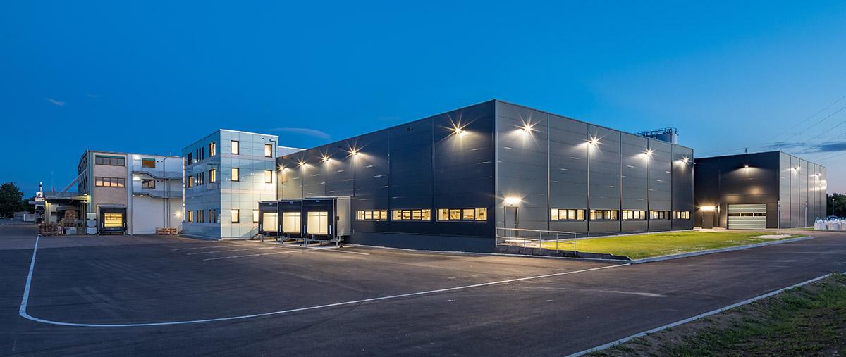 Die beiden schlüsselfertigen Produktions- und Lagerhallen der Firma Verotec in Lauingen