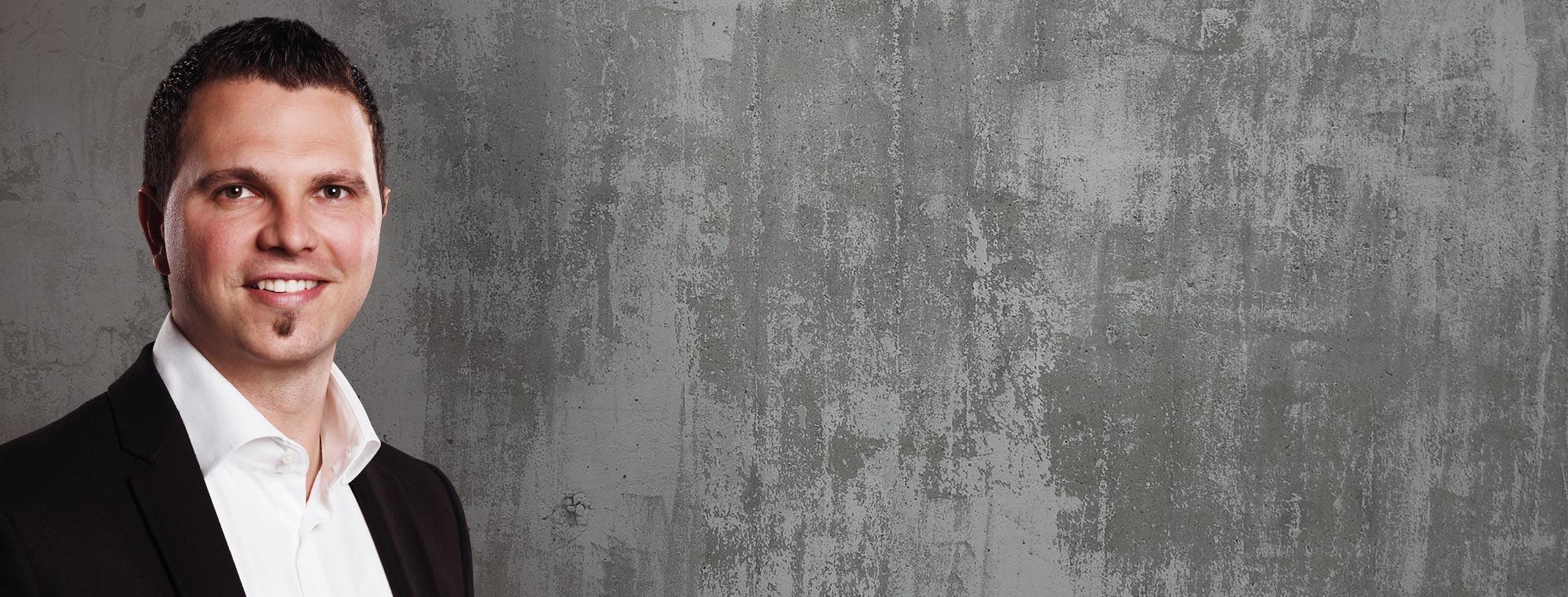 Langjähriger Kunde der Firma bendl Bauunternehmen aus Günzburg: Herr Christian Neidl des Malermeister und Cotecdesignbetrieb Neidl GmbH Bubesheim