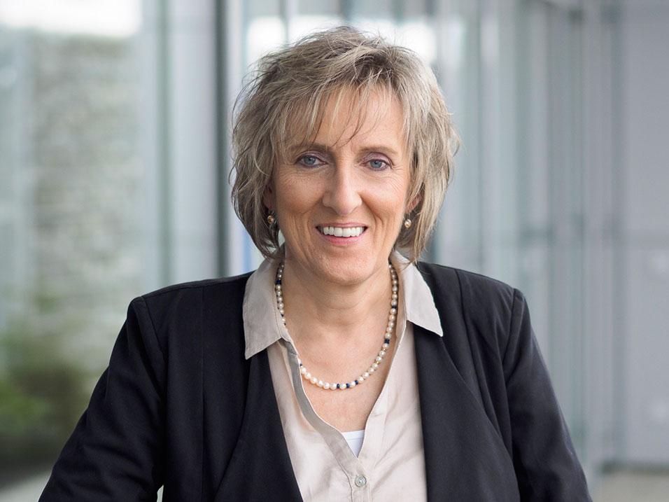 Sabine Hirschbolz vom Bauunternehmen bendl aus Günzburg