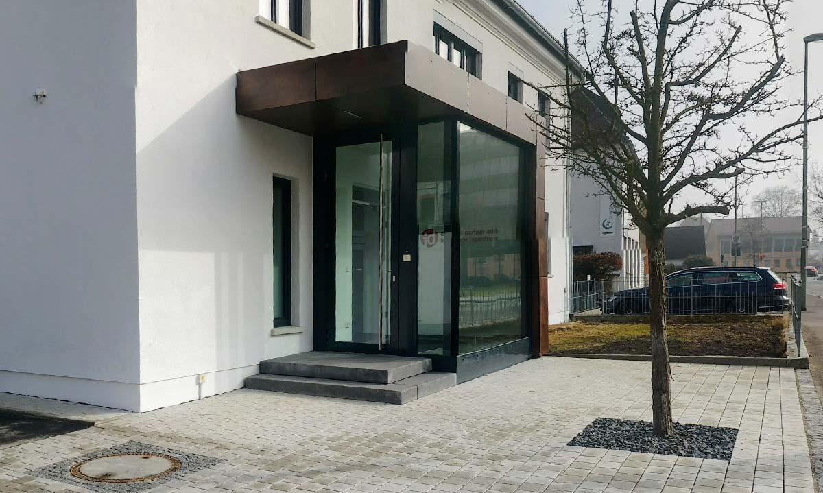 Der neue Eingangsbereich als Anbau