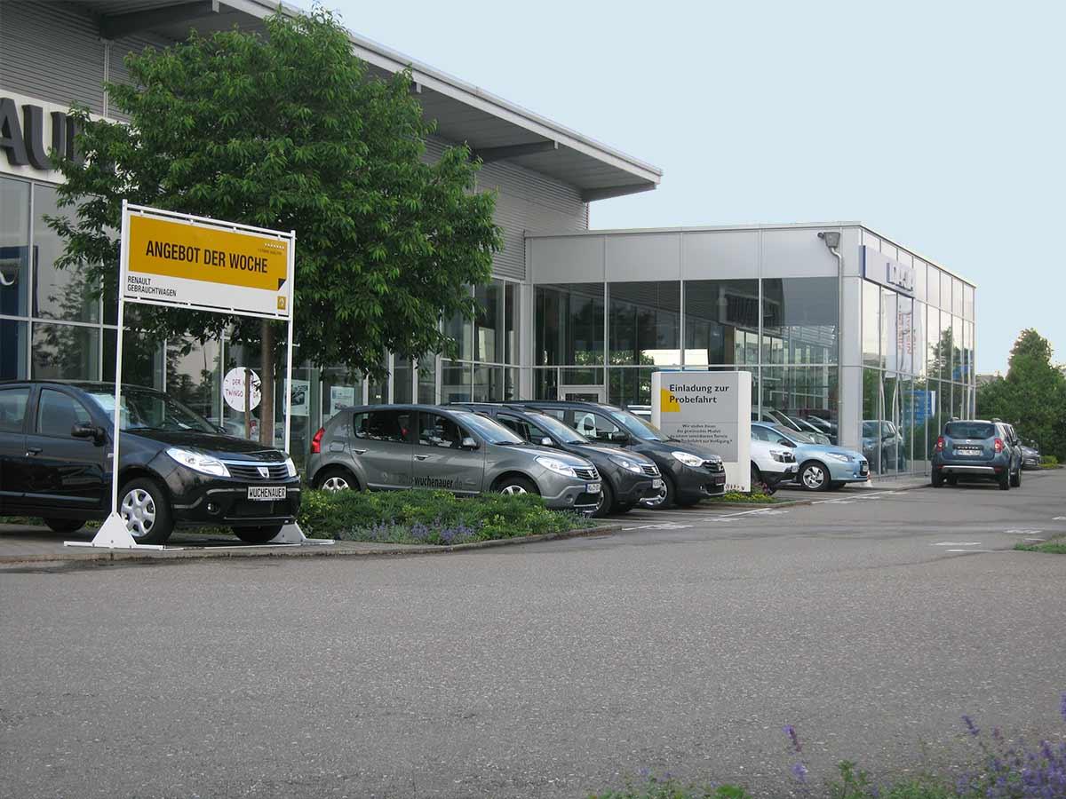 Eingangsbereich des Autohaus Wuchenauer in Neu-Ulm