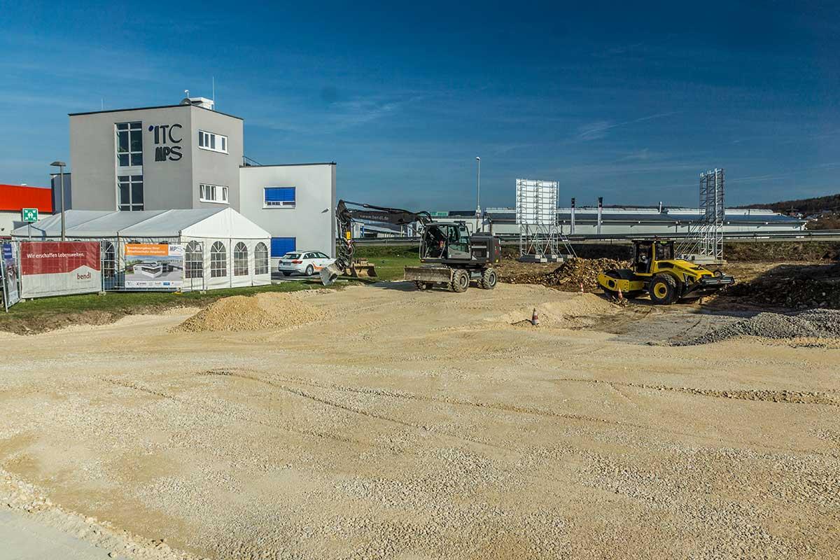 Der Bauplatz für den Erweiterungsbau bei ITC Graf