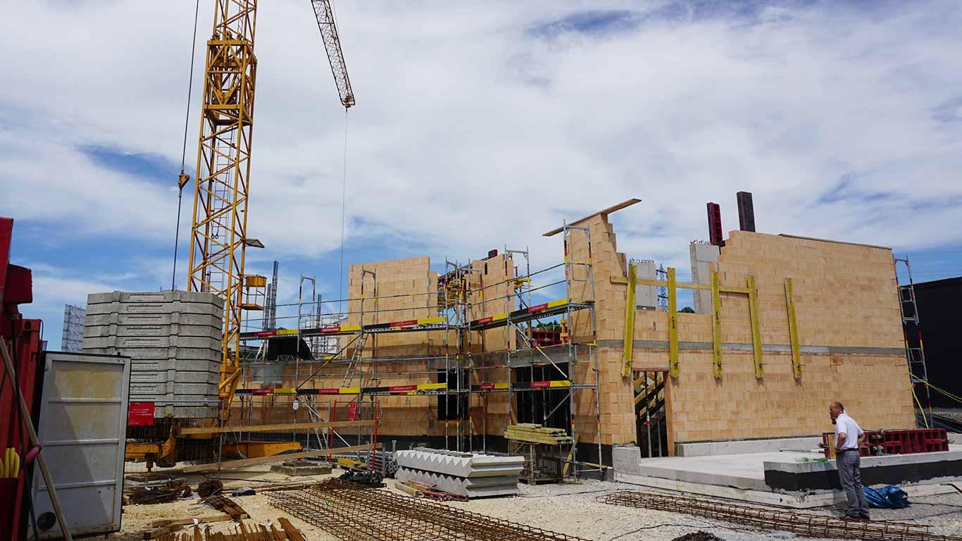 Nun geht es an die Errichtung des ersten Obergeschosses.