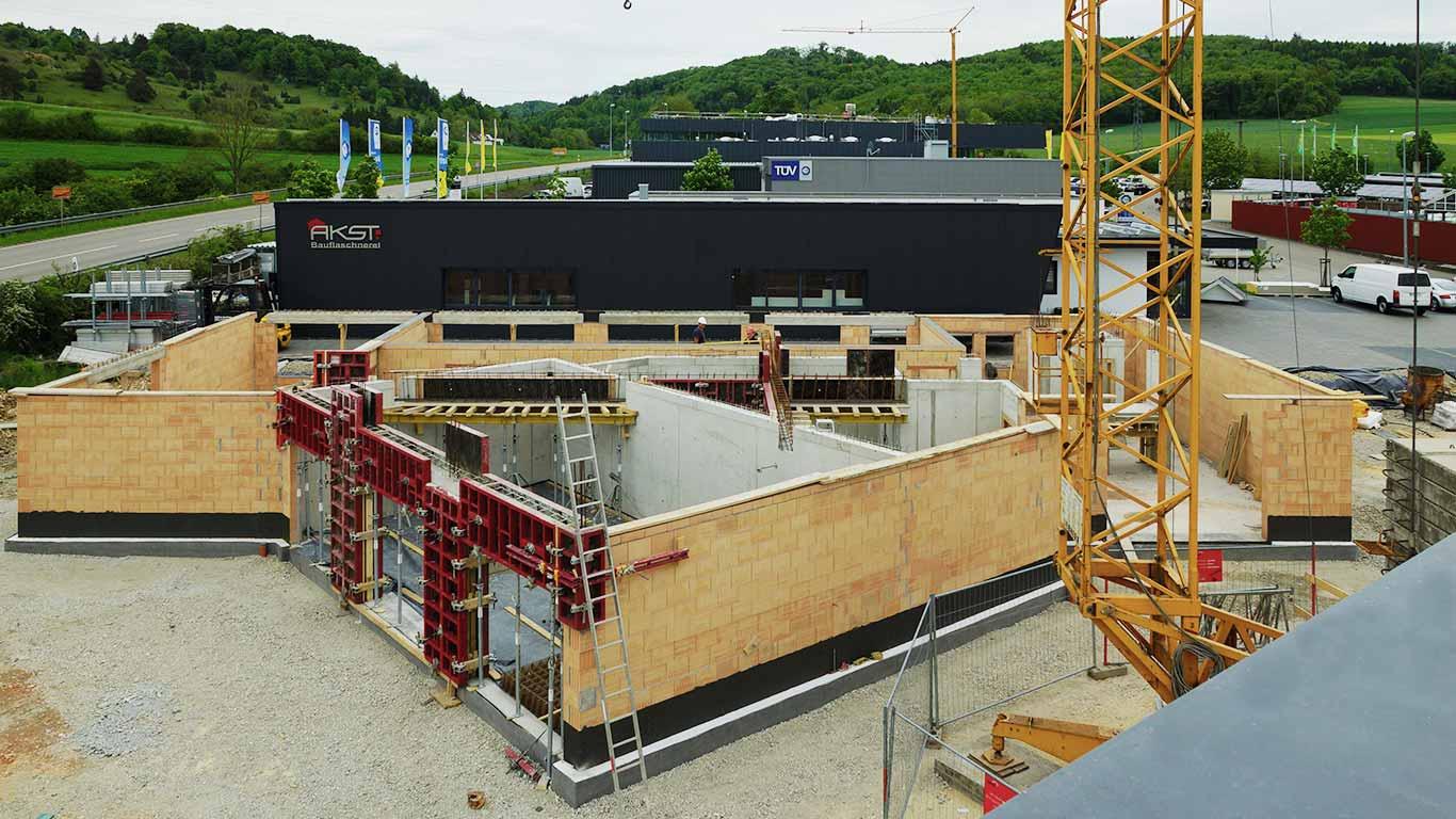 Das Seminargebäude der ITC Graf mit einer markanten Architektur.
