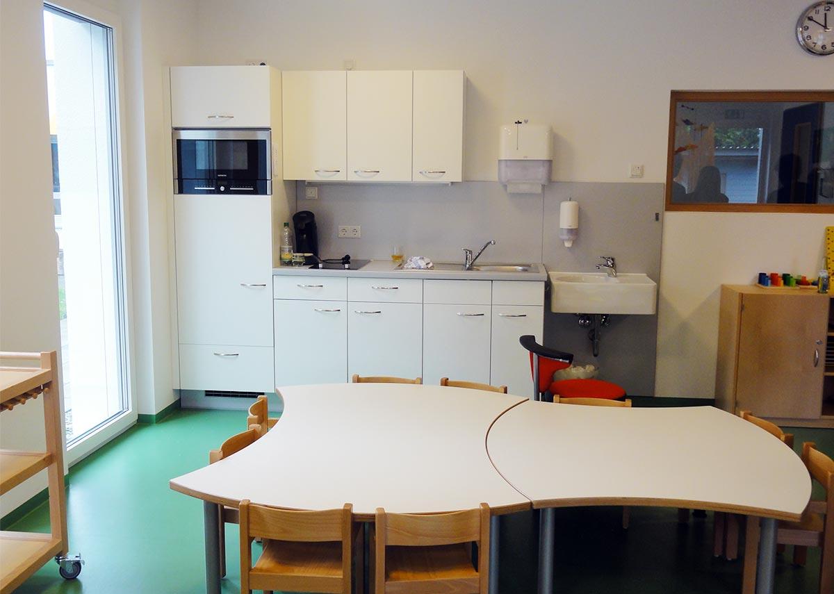 Ess- und Kochbereich in der Kita in Syrgenstein