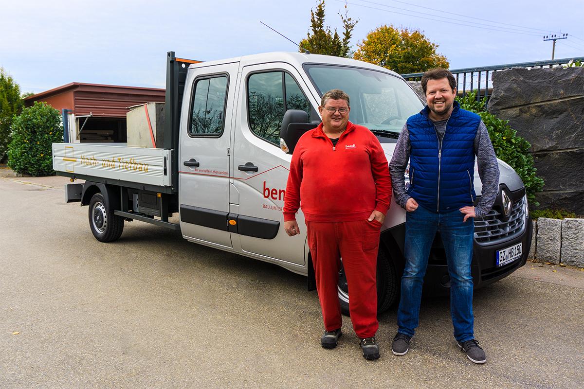 Konrad Beck freut sich absofort mit seinem neuen Tiefbau-Pritschenfahrzeug für Sie tätig werden zu dürfen.