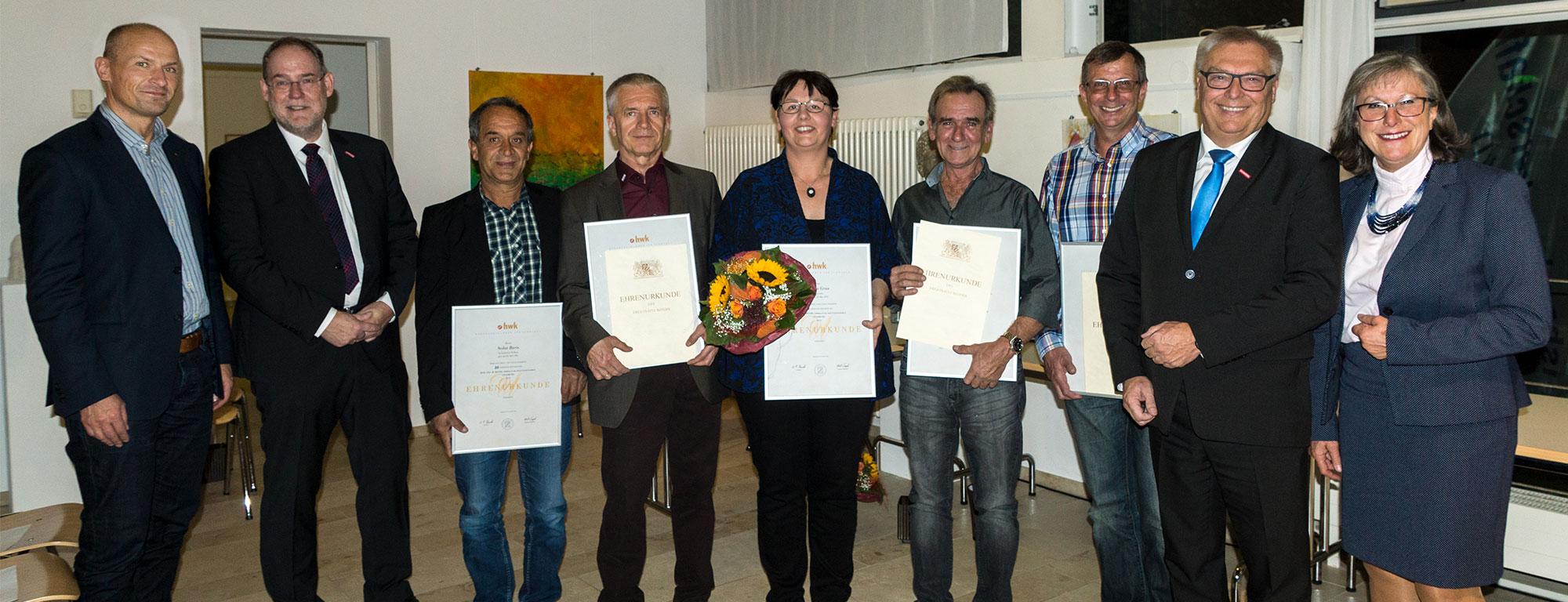 Handwerkskammer Schwben ehrt sechs Mitarbeiterjubilare vom Bauunternehmen bendl in Günzburg