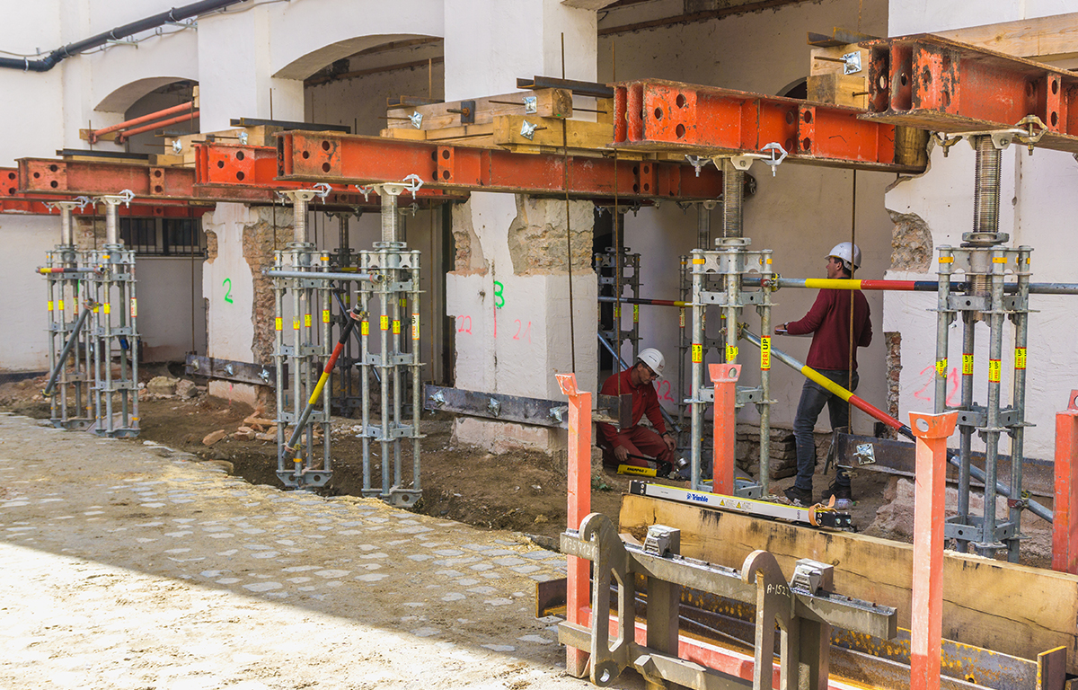 Bauunternehmen bendl saniert das Finanzamt und damit das Stadtschloss in Günzburg