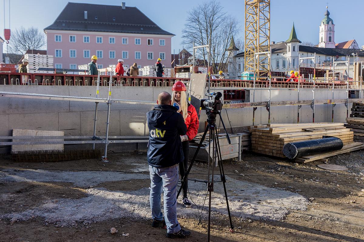 a.tv zum Interview auf unserer GuntiaPark-Baustelle
