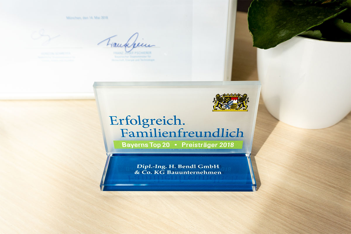 Bauunternehmen bendl aus Günzburg ist Preisträger - Bayerns Top20 Erfolgreich.Familienfreundlich 2018