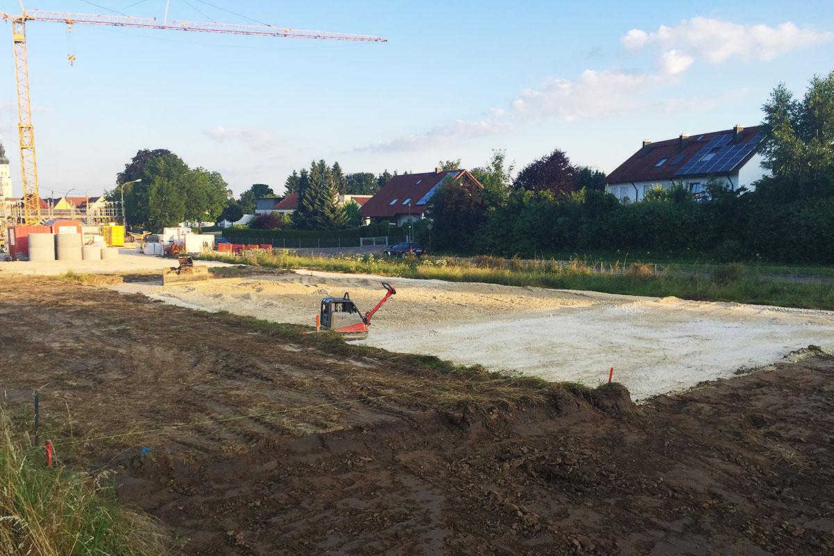 Das Grundstück wird für den Bau vorbereitet.