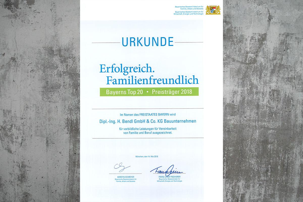 Die Urkunde: Bauunternehmen bendl zählt zu Bayerns Top 20 familienfreundlichen Arbeitgebern