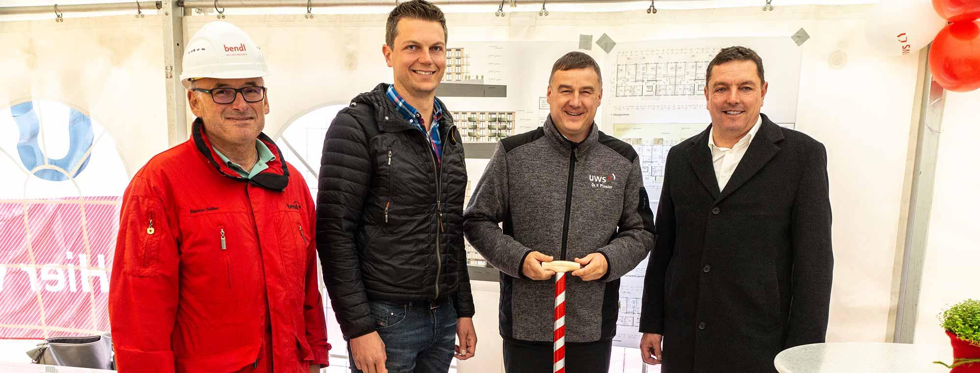 Die UWS Ulmer Wohnungs- und Siedlungs-Gesellschaft mbH feiert Richtfest für ihr Wohnbauprojekt in Ulm Böfingen.
