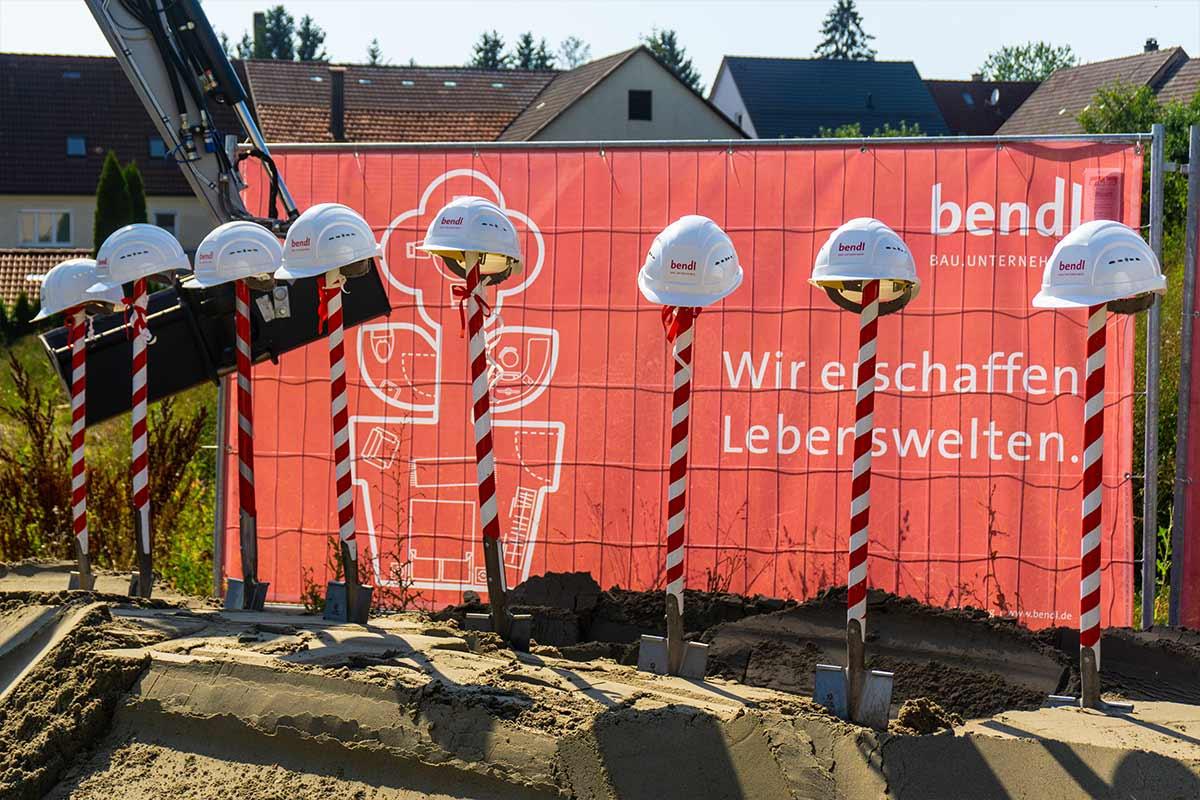 Das Bauunternehmen bendl freut sich ebenfalls über den Spatenstich für die 40 Eigentumswohnungen in Gerstetten.