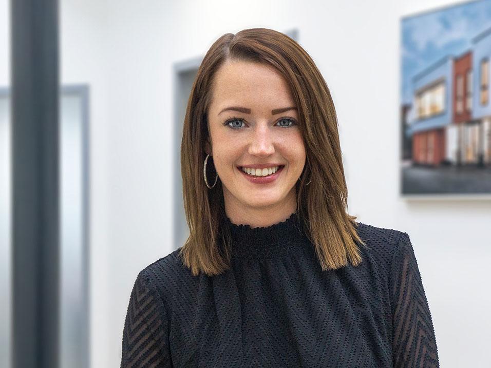 Rebecca Bader Empfangssekretärin beim Bauunternehmen bendl in Günzburg